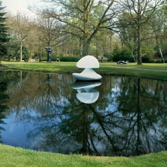 Marta Pan, Sculpture flottante 'Otterlo', 1960-1961, photo: Cary Markerink. Copyright: Kröller-Müller Museum