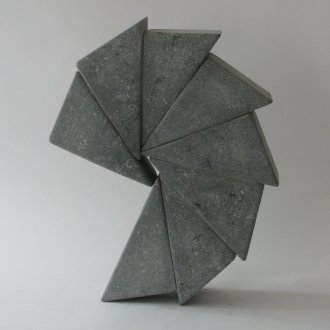 Fieke de Roij, Spin around, 2018, Irish blue limestone, 35 x 30 x 10 cm